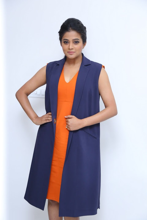 Priyamani interview hd fotos