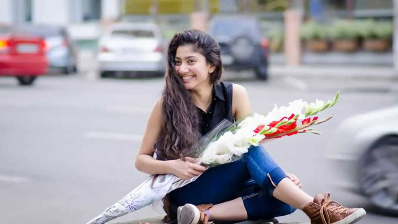 Sai pallavi cute wallpaper
