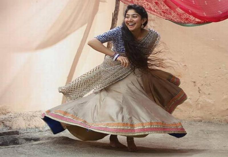Sai pallavi dance stills