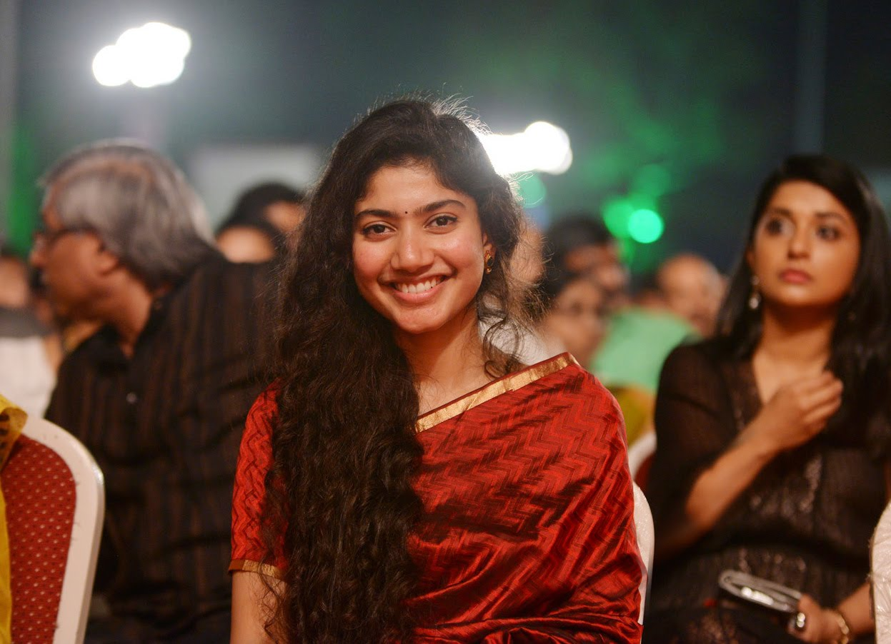 Sai pallavi saree photos